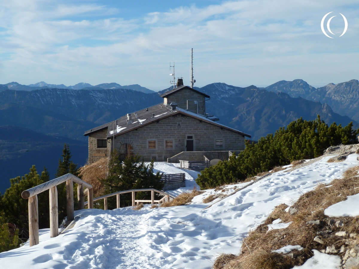 Kehlsteinhaus with the Berchtesgaden Alps in the background