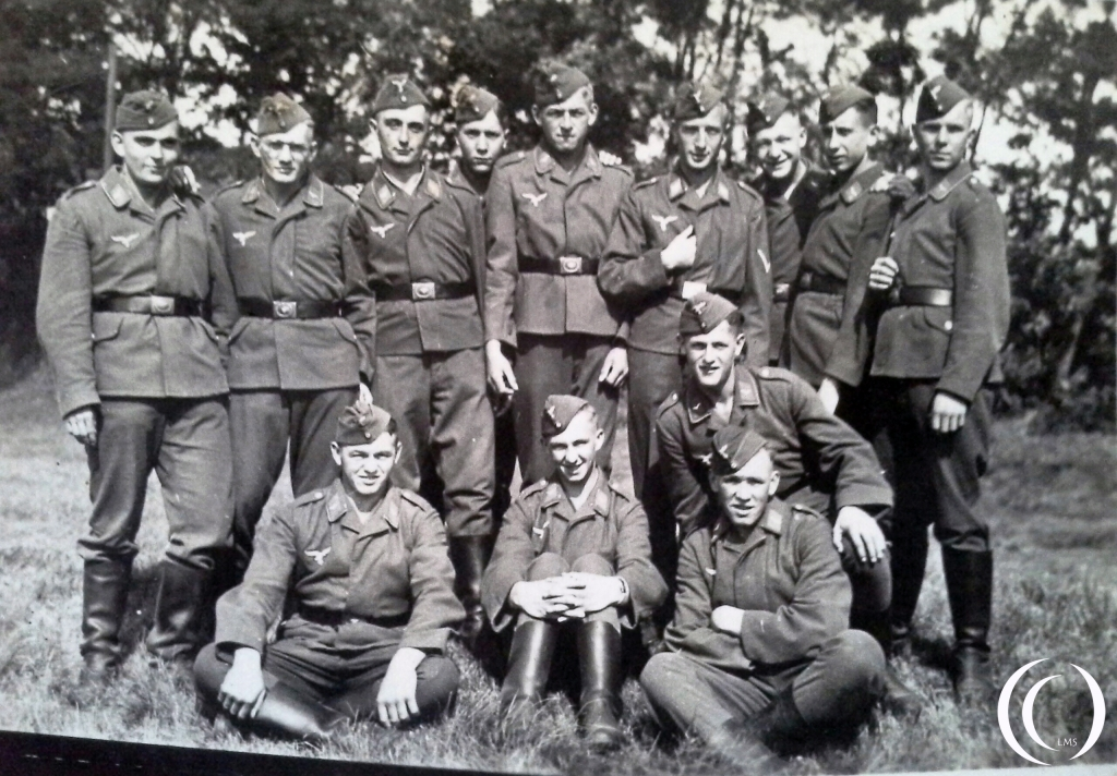His Second dispatch. was on 2nd march 1942 With the 3 kompanie fallschirmjager. He received a mechanical training ans was based in Helmstedt Germany