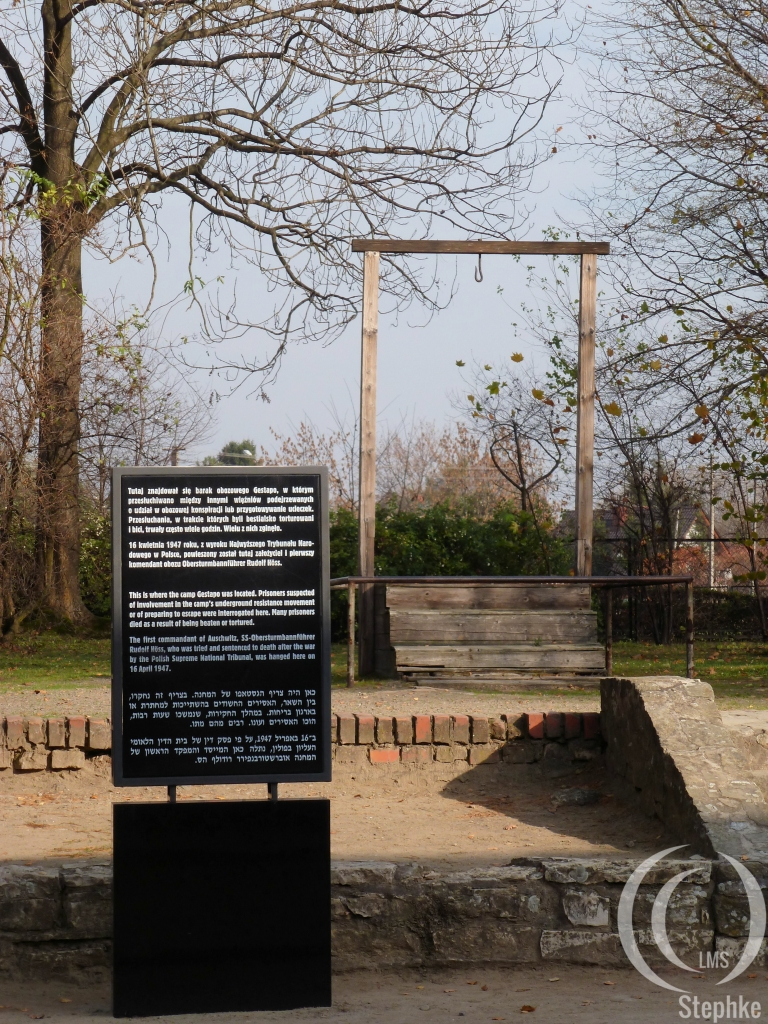 Galon oin which Höss was hanged