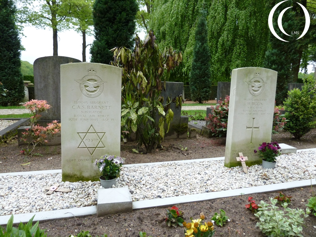 British Airmen on the Civilian cemetery Oosterbeek