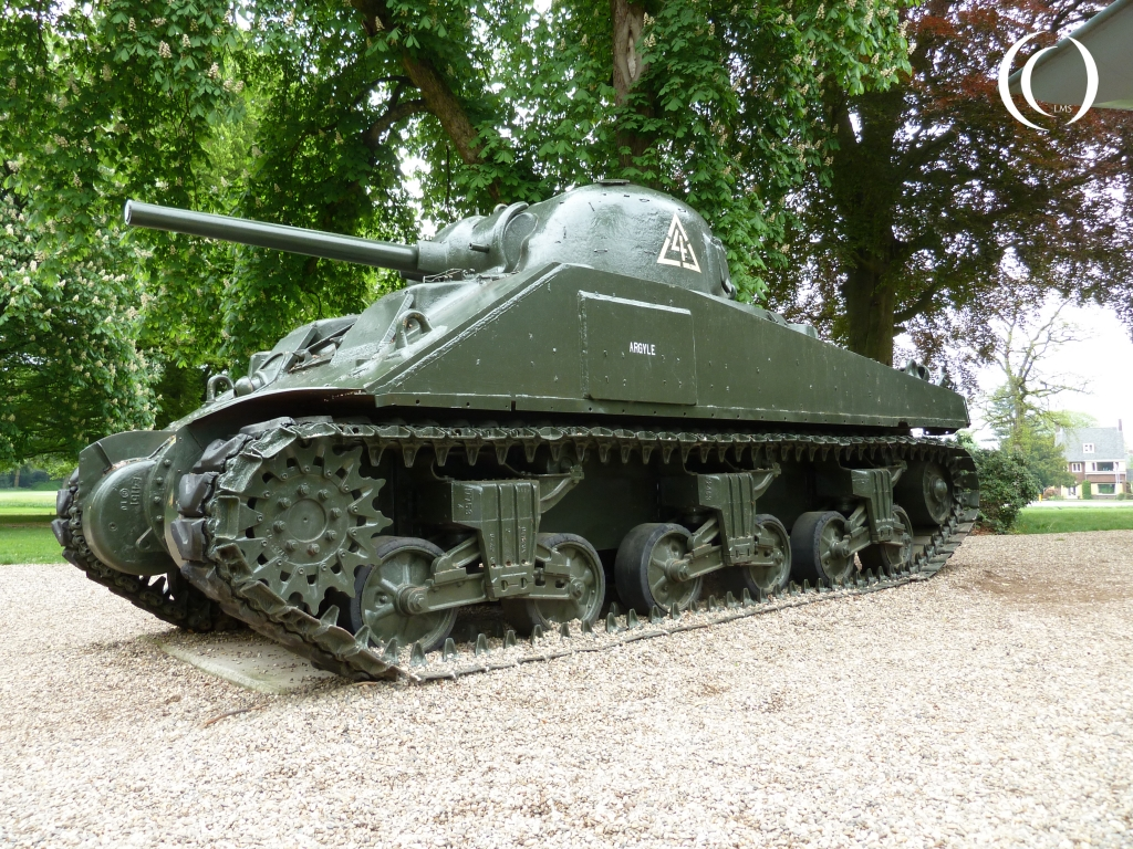 Sherman in front of the Airborne Museum German Flamethrower type M41p, Airborne Museum Hartenstein, Oosterbeek in Oosterbeek