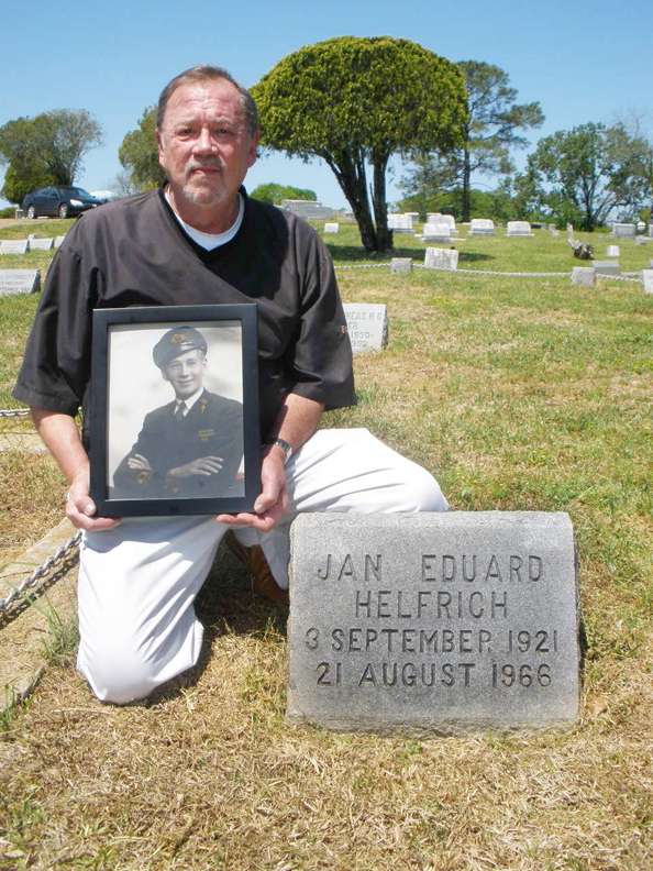 Jan Eduard Helfrich and his son Ray Cedar Lawn Cemetery, Jackson Mississippi - USA