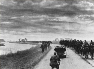 German cavalery en route to Kornwerderzand
