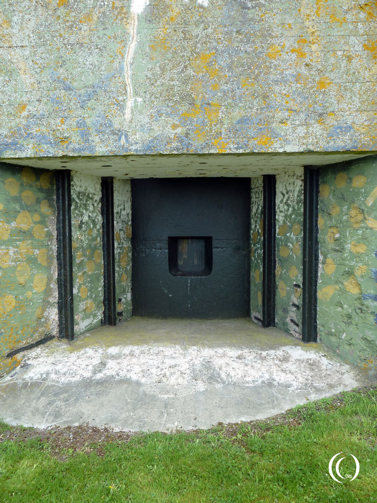 Armoured steel door with gun port of casemate VI Kornwerderzand