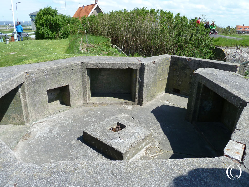 German AA emplacement behind bunker 18 -  Kazemattenmuseum Kornwerderzand, the Netherlands