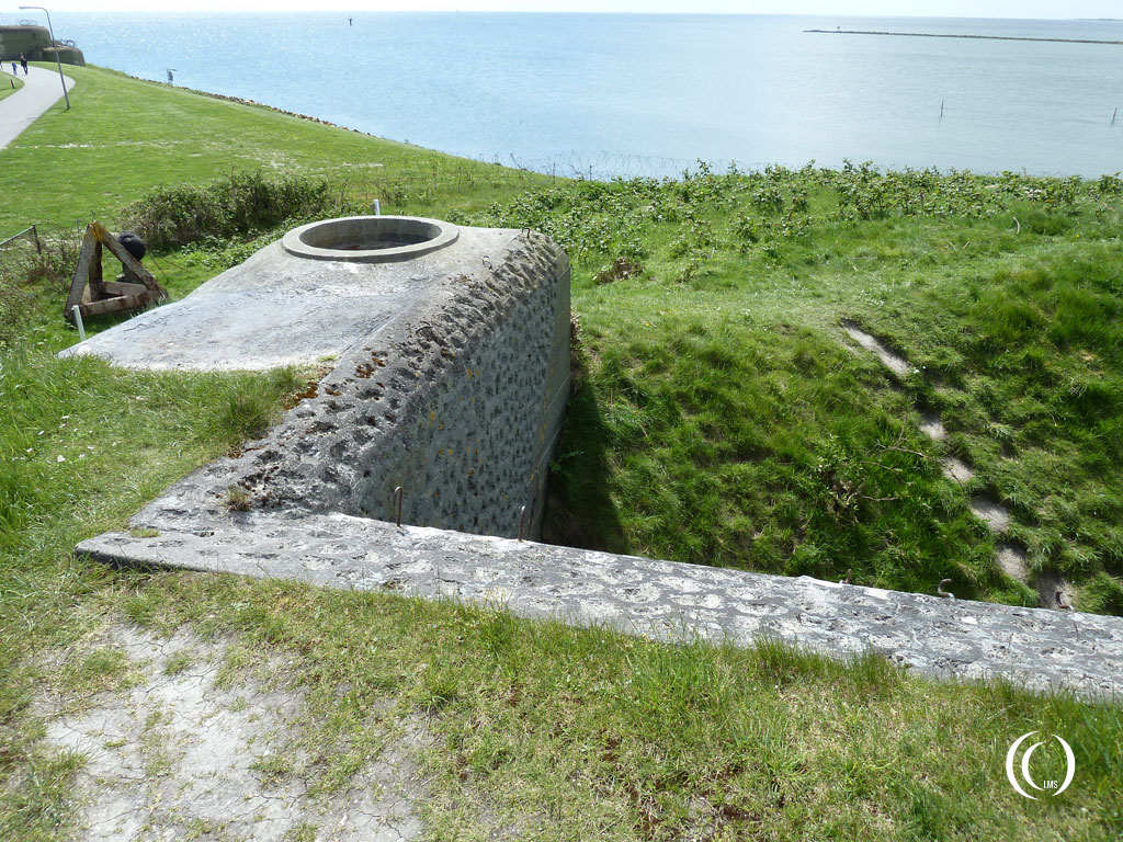 Bunker 18 also had a tobruk position added - Kazemattenmuseum Kornwerderzand, the Netherlands