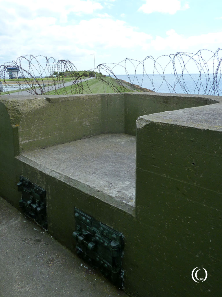 Detail of an exterior MG position in the parapet wall around casemate V - Kazemattenmuseum Kornwerderzand, the Netherlands