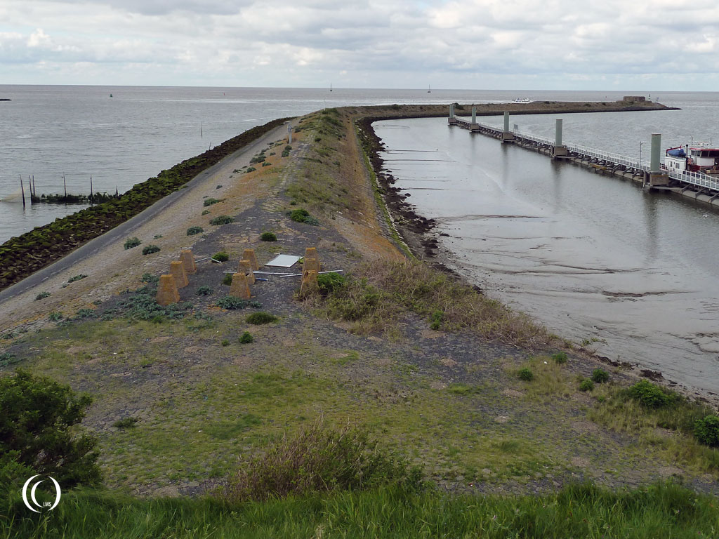 The view from bunker type 612 facing the Waddenzee left of casemate II - Kornwerderzand