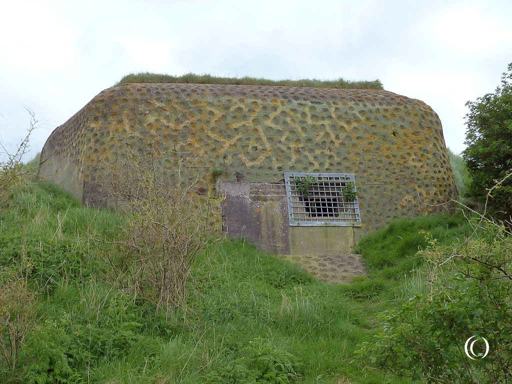 Bunker Type 612 facing the Waddenzee - Kornwerderzand, Afsluitdijk, the Netherlands