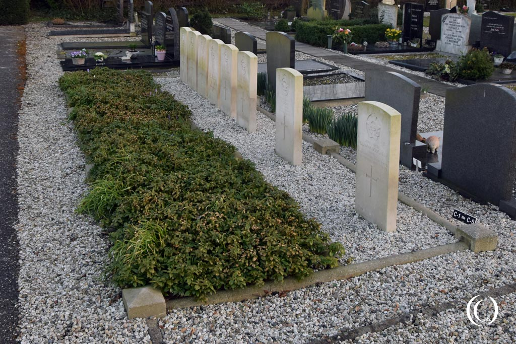 Commonwealth War Graves of bomber crew RAF 90 Squadron