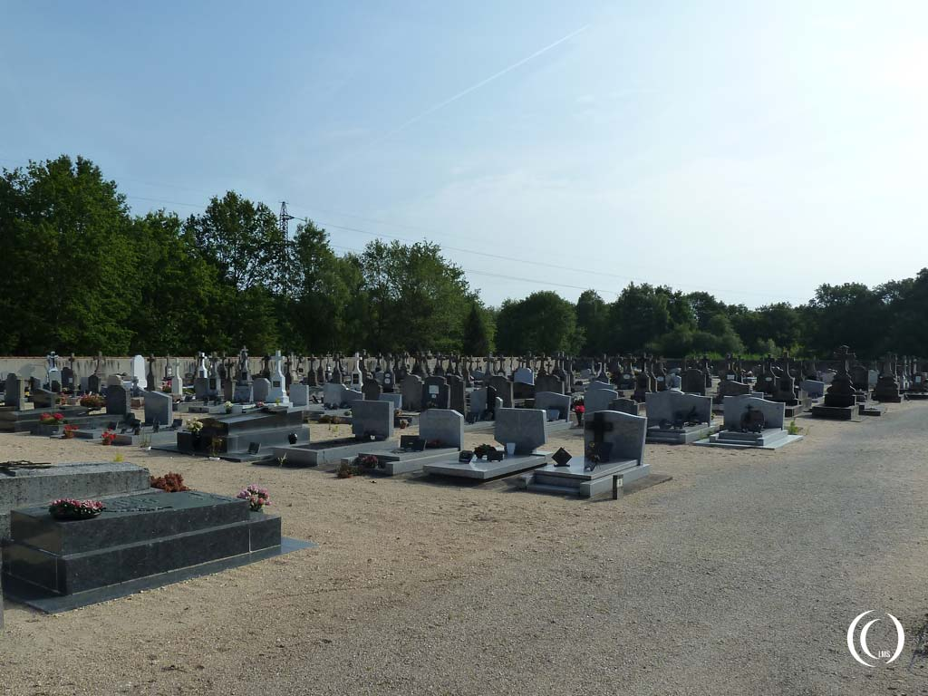 Theillay Communal Cemetery