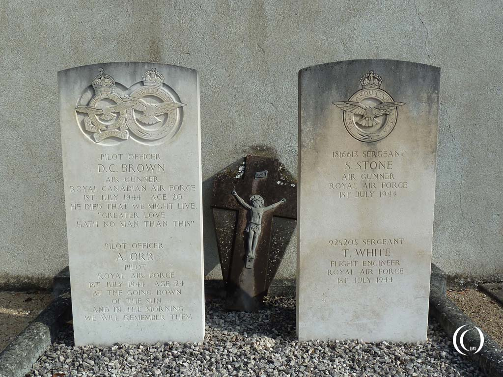 Commonwealth War Graves, RAF 626 Squadron in Theillay, France
