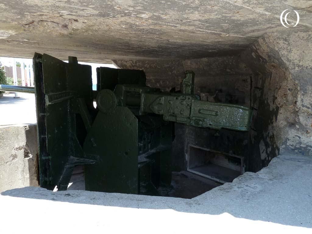 View on the left flank of the 5cm KwK gun - Saint-Aubin-sur-Mer, Normandy, France