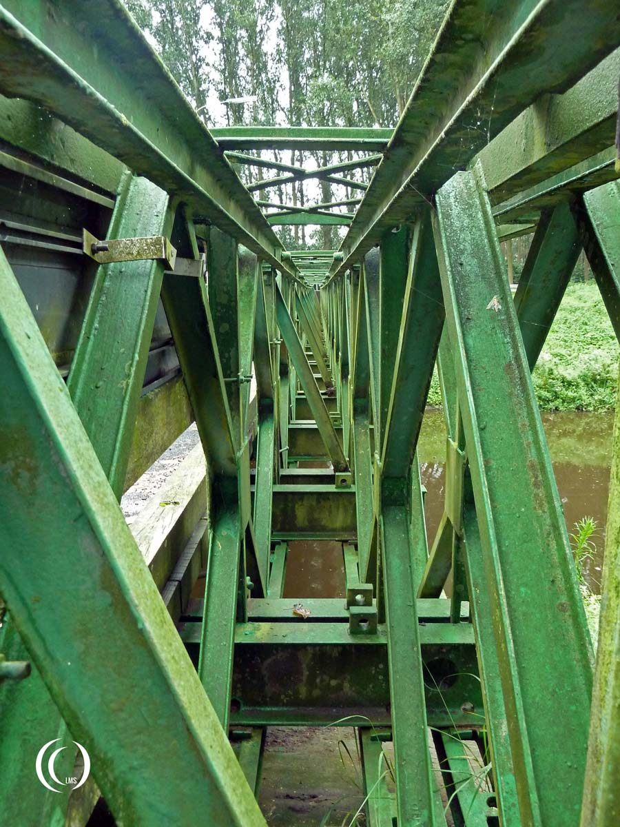 Detail of the Baily-bridge construction