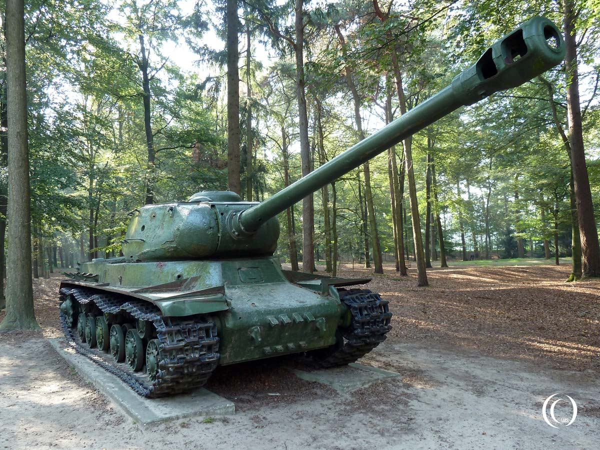 Joseph-Stalin-IS-2-Tank-front-Overloon-Holland