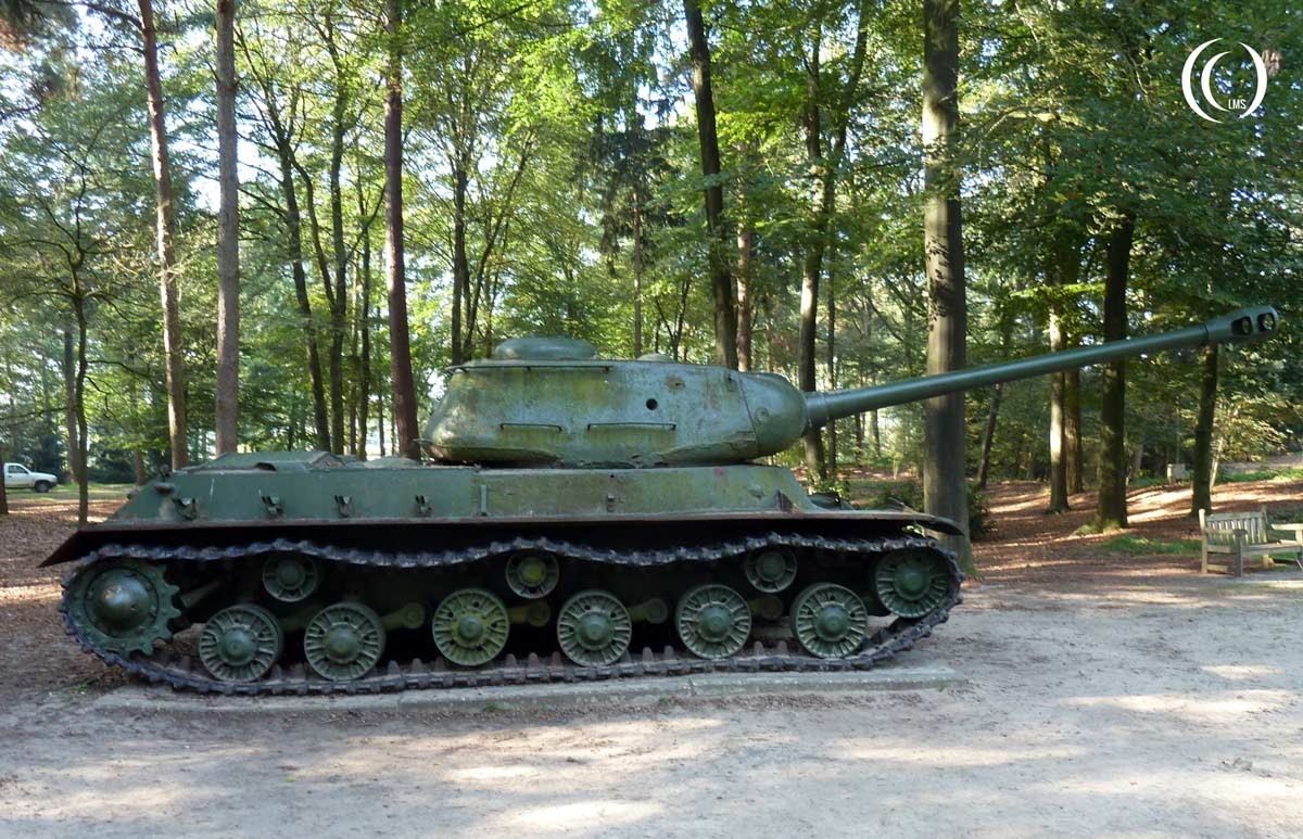 Joseph-Stalin-IS-2-Tank-right-Overloon-Holland