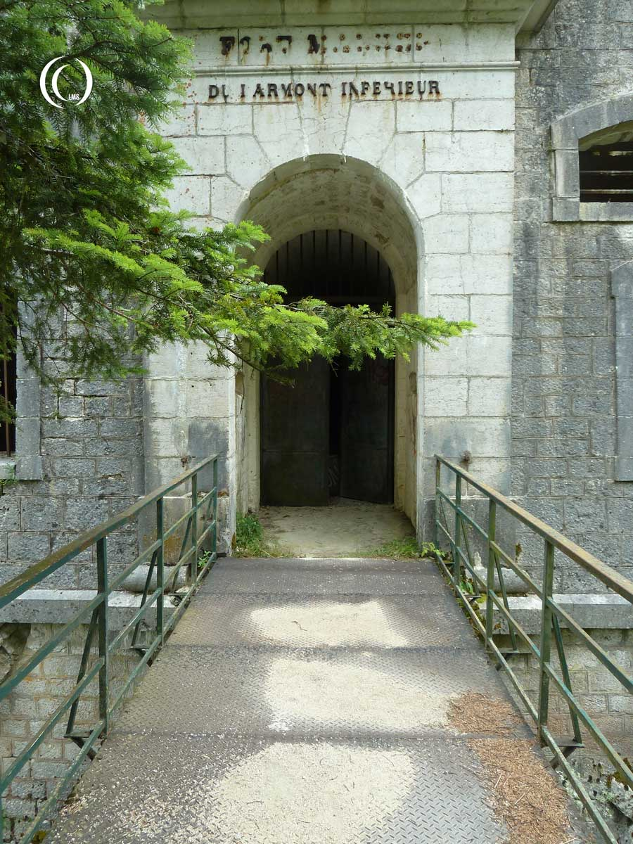 Bridge to entrance of Fort Mahler