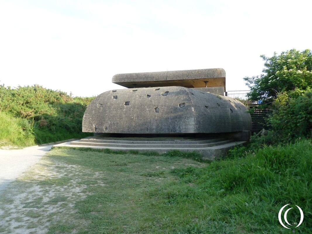 Feuerleitstand or Fire control bunker of Batterie Longues sur Mere