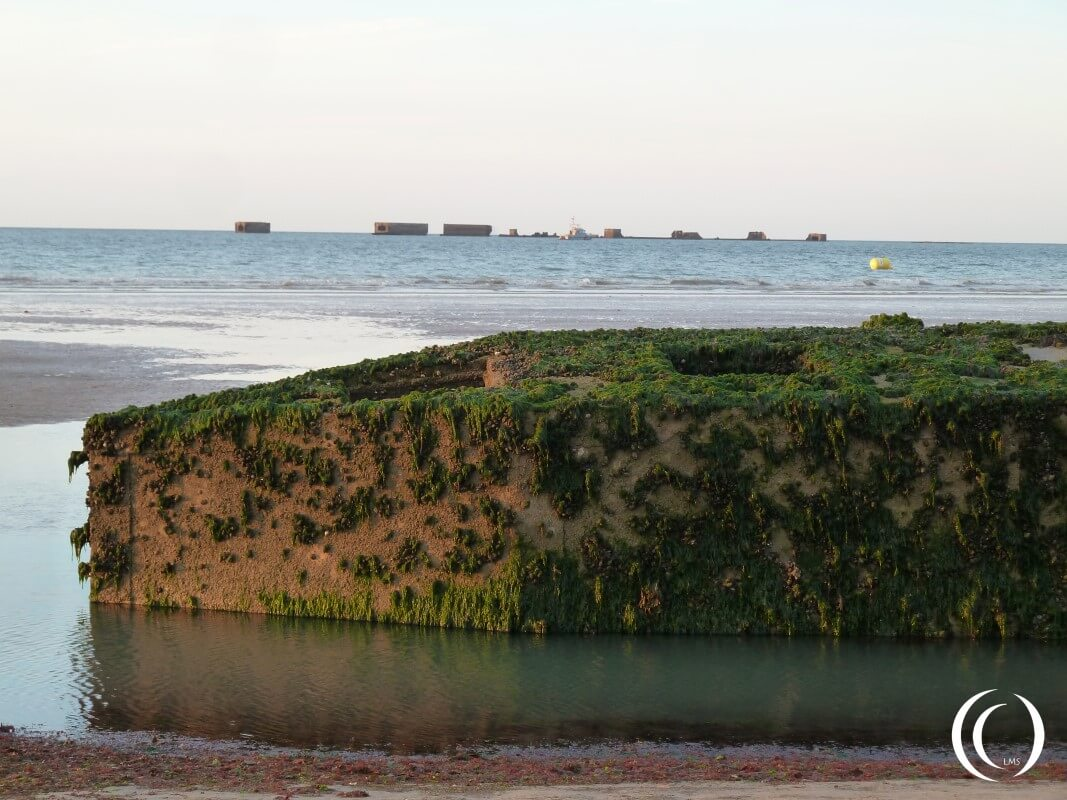 Beetle Mulberry Harbour, Phoenix Caissons in sea Arromanche