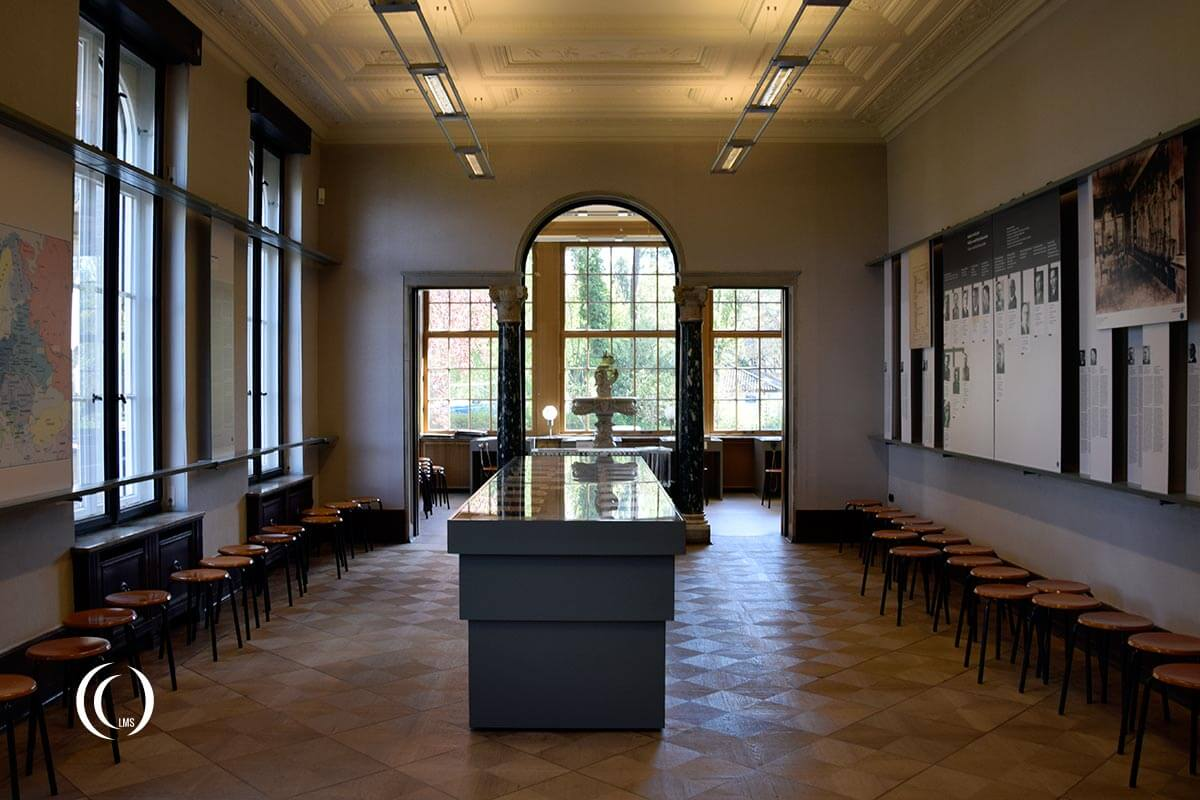 the final solution the wannsee conference at villa marlier berlin landmarkscout. Black Bedroom Furniture Sets. Home Design Ideas