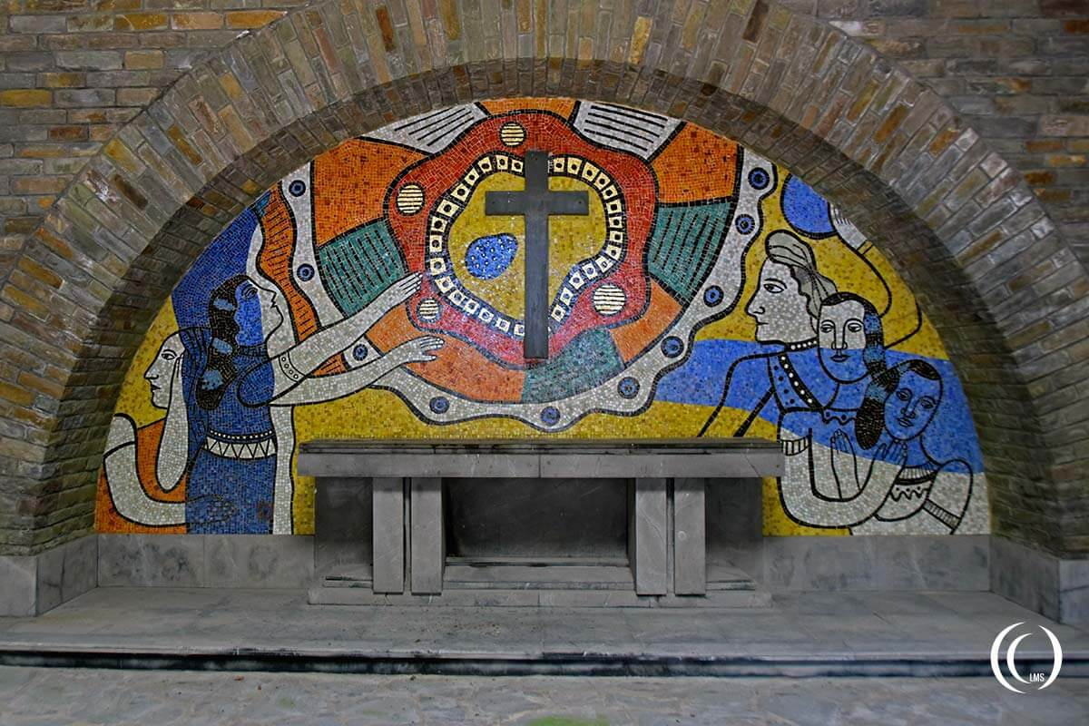 Bastogne War Memorial - view of the altar inside the crypt