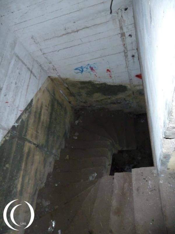 Battery Oldenburg – Turm East, the stairs into the basement