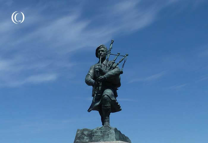 D-Day, Sword Beach: Monument Piper William 'Bill' Millin – Colleville-Montgomery, France
