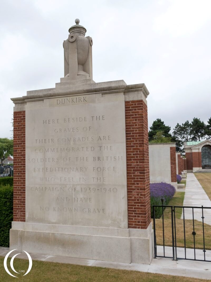 Dunkirk Town Cemetery and memorial