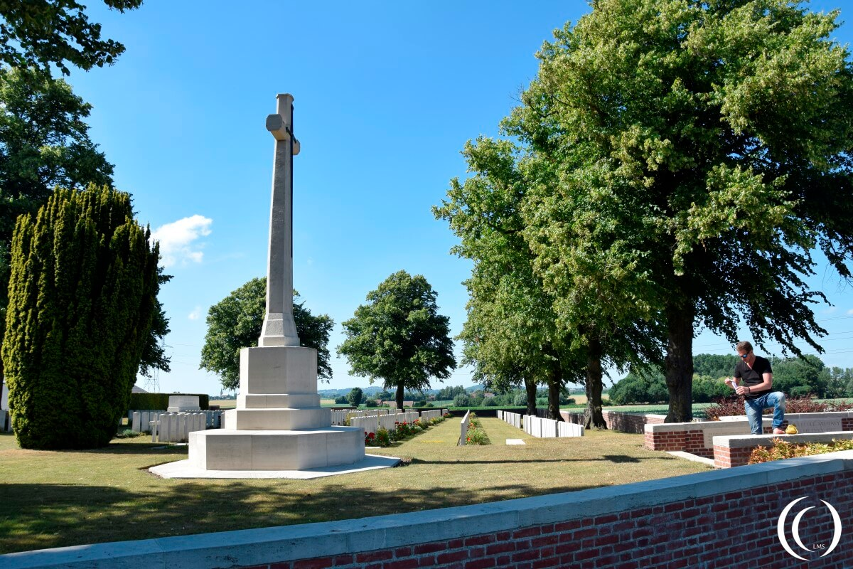 La Kreule Military Cemetery - Pascal and the Cross of Sacrifice