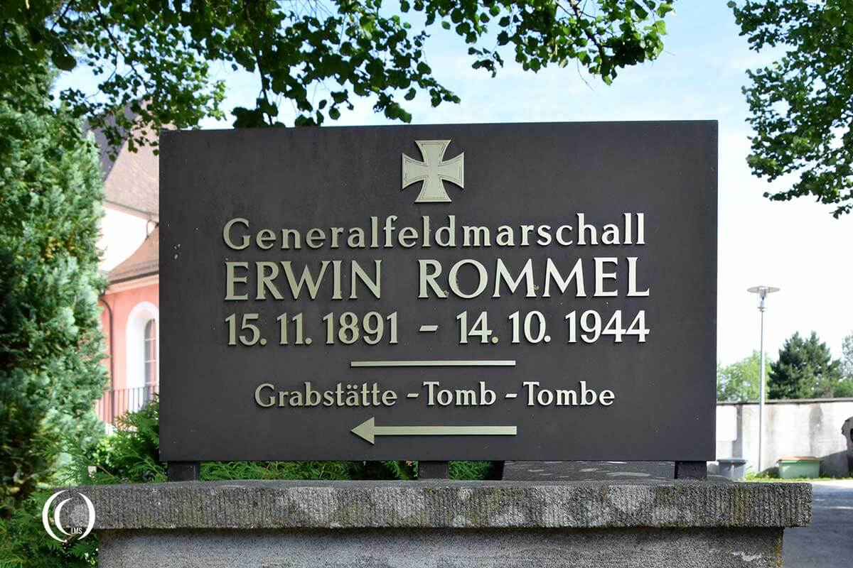 Sign to grave of Erwin Rommel at Herrlingen Cemetery