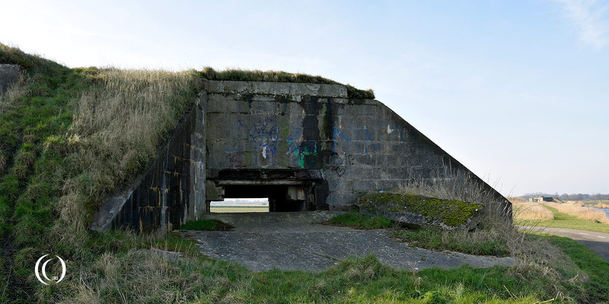 Bunker Type 625 front view