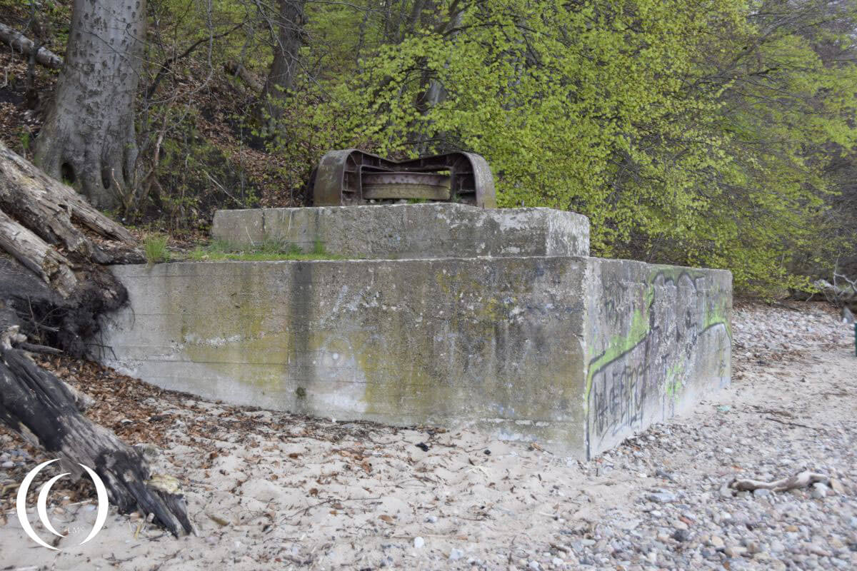 Hexengrund Beach- concrete block and pully