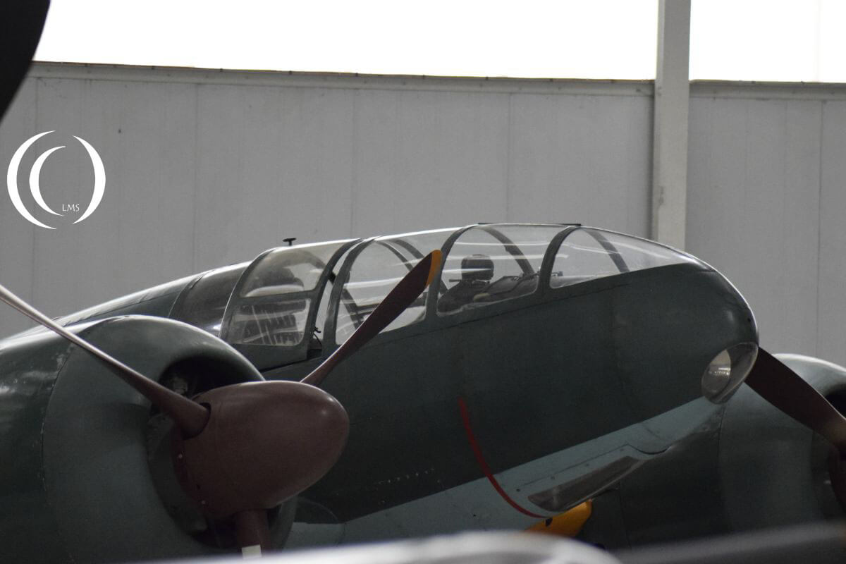 Mitsubishi Ki-46 Dinah cockpit close up