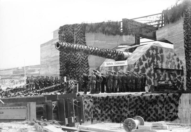 Batterie Lindemann on the Atlantikwall - Bundesarchiv_Bild_101I-364-2314-16A